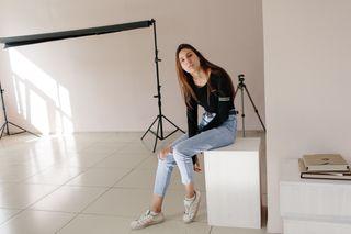 Аня Мальчикова в студии