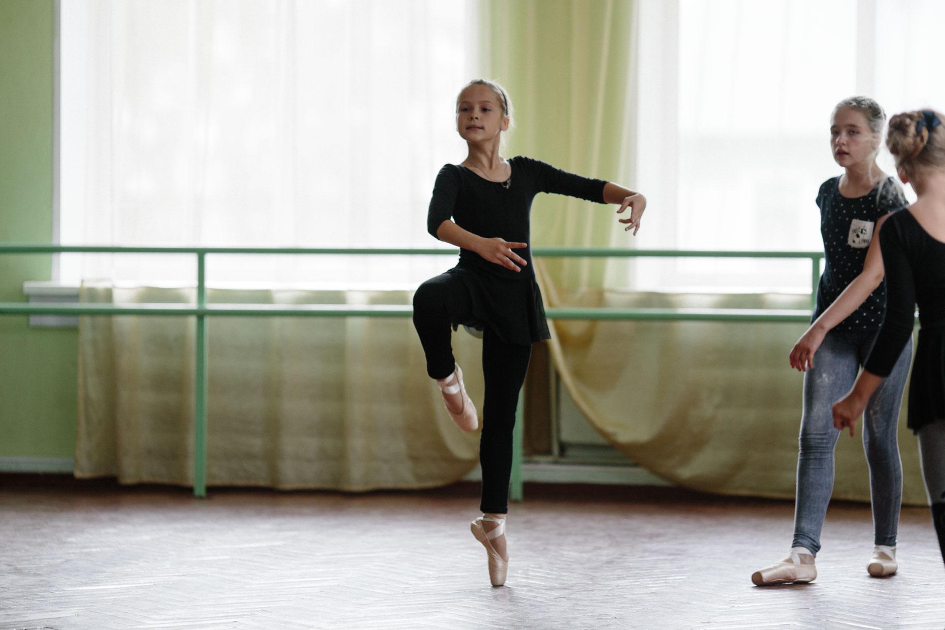 Балет, первое занятие на пуантах