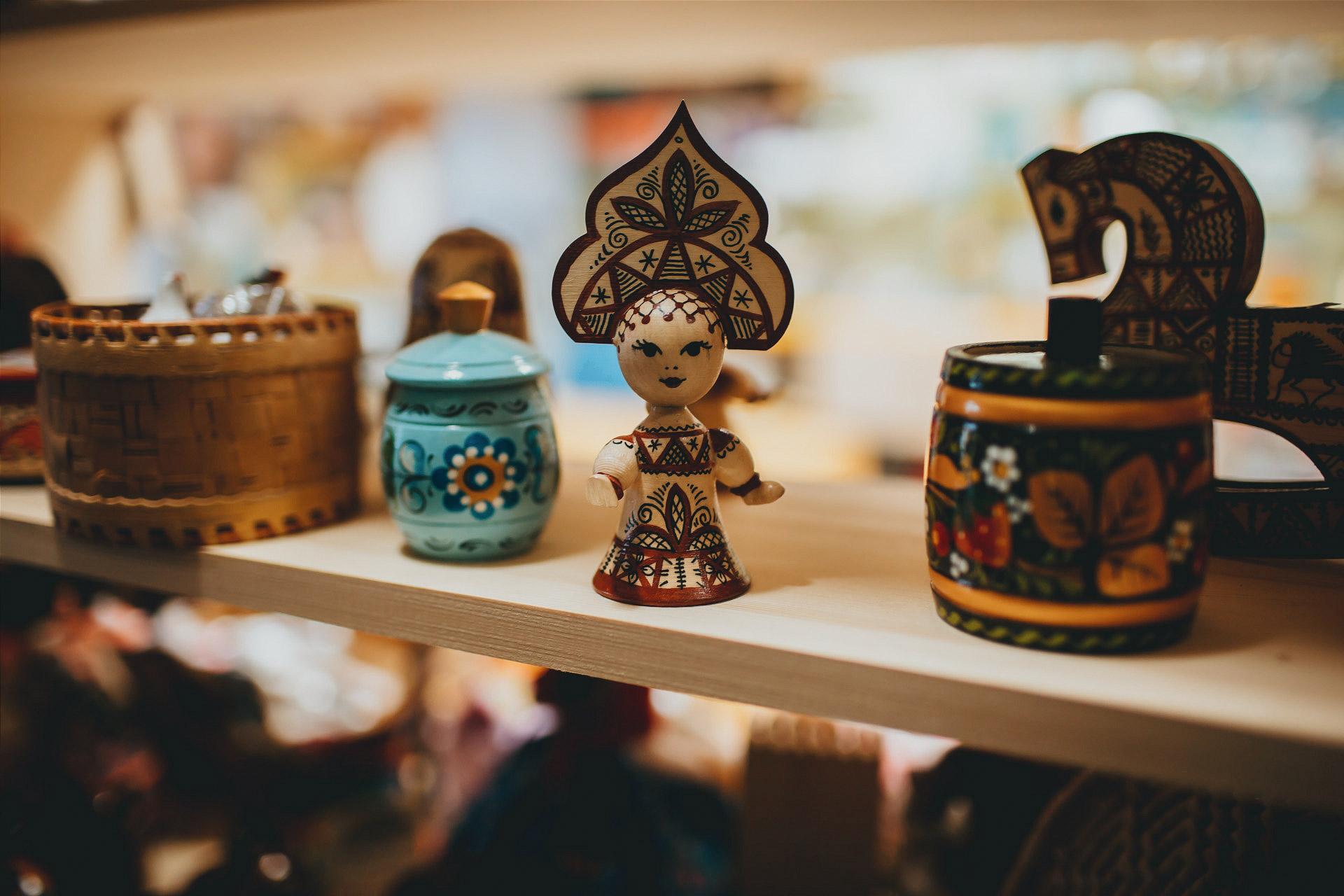 В магазине сувениров