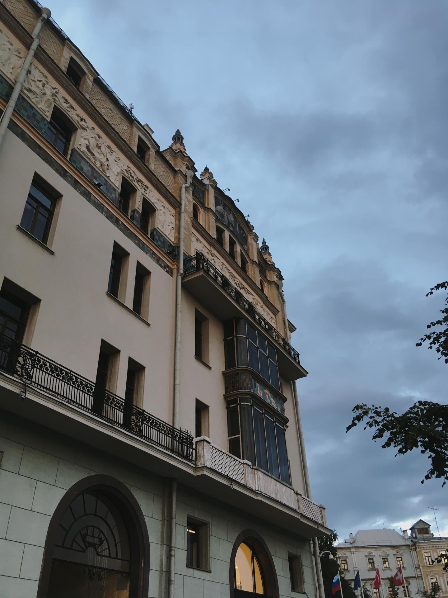 Отель в Театральном проезде