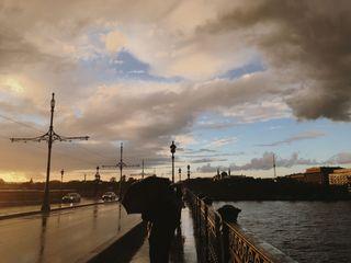 Сразу после дождя на мосту