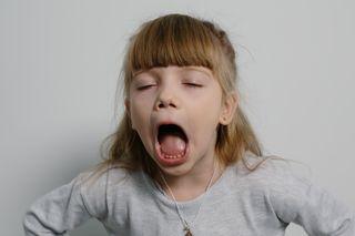 Варвара сильно открыла рот