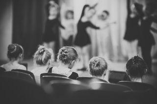 На занятиях студии классического балета