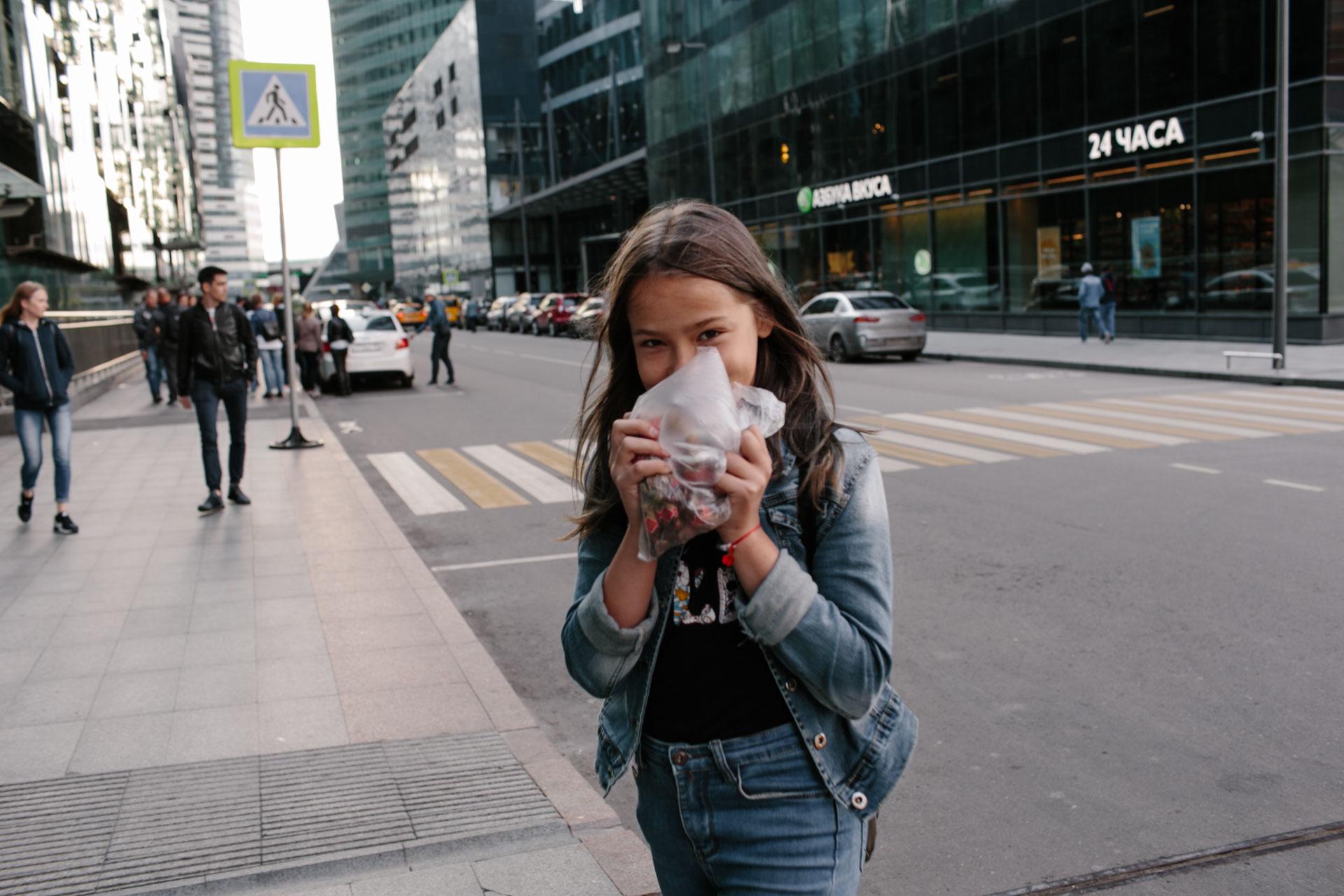 Ульяна и конфеты